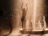 Girls Playing in Fountain : Washington Square Park : NYC